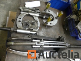 2-pulley-wrenches-1049896G.jpg