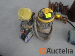 2 vacuum cleaners (to be reconditioned) brands KARCHER and IRONSIDE - an electric reel