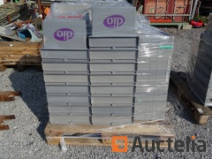 20 Storage boxes embo, plastic and stackable (lid)