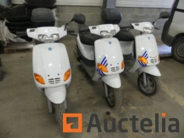 3-scooters-for-parts-piaggio-zip-915136G.jpg