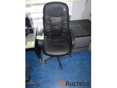 4 chairs office table on wheels and stool on wheels