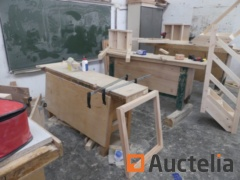 4 Wood Workbenches