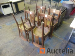 8 Wooden Chairs