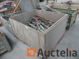 clamps-1038475G.jpg