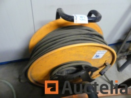 extension-cables-on-reel-1050196G.jpg