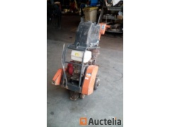 Floor Concrete Saw Belle CSXA01 - REF130No document