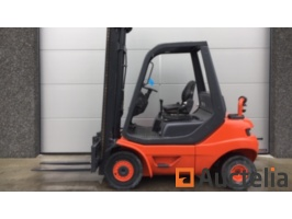 forklifts-and-scissor-lifts-964960G.jpg