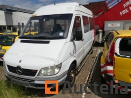 mercedes-sprinter-van-equipped-with-lift-for-prm-no-document-724555G.jpg