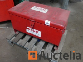 metal-tool-box-and-its-contents-1037293G.jpg