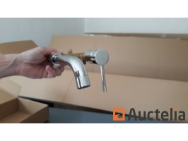 new-stainless-steel-wall-mounted-tap-686173G.jpg