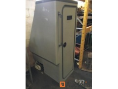 Portable toilet with water and fecal management equipment. - REF865