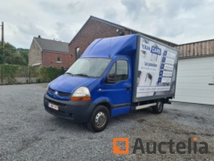 Renault Master van with hydraulic tailgate