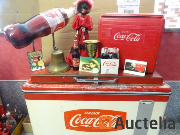 Sale of a Coca Cola collection
