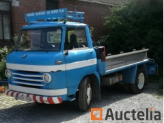 VOLVO tow truck