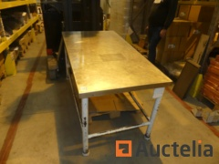 Worktable steel with stainless steel top