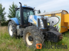 Tracteur New Holland T8040 (2007)